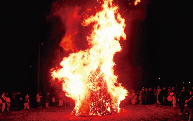 동령마을 대보름 달집태우기