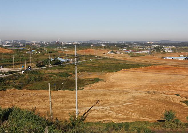 삼성전자 평택사업장이 건설되고 있는 광천마을 일대(2013)