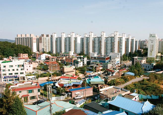 전통마을과 아파트가 공존하는 세교동(2009)
